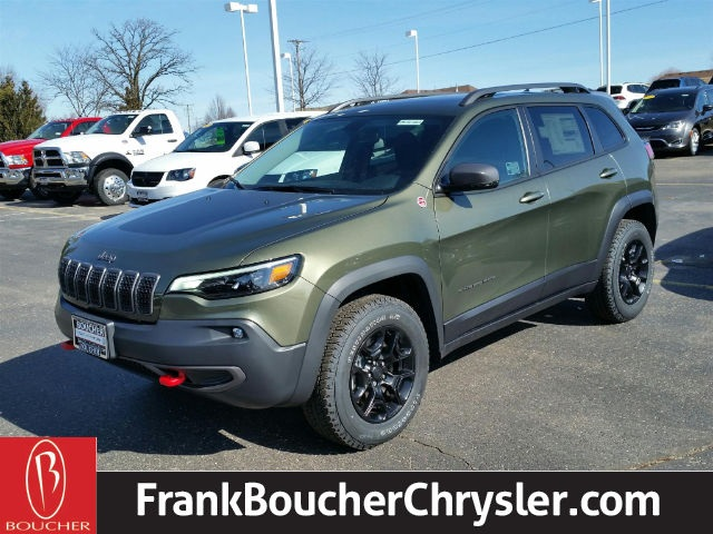New 2019 Jeep Cherokee Trailhawk 4D Sport Utility in the Milwaukee