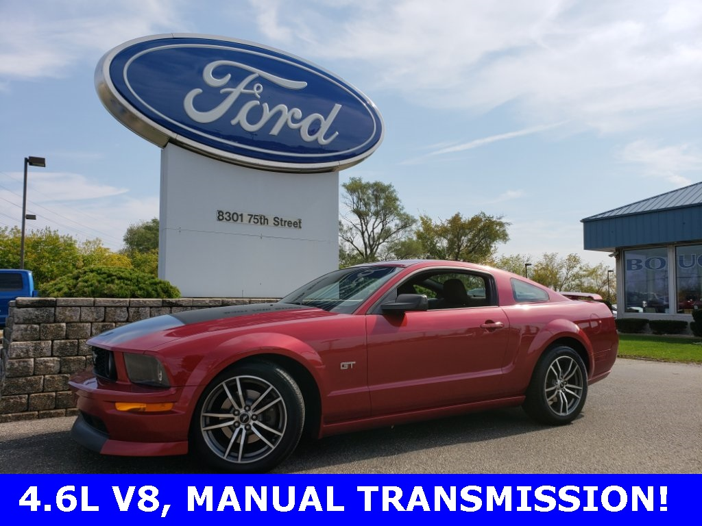 Pre owned 2005 ford mustang gt deluxe