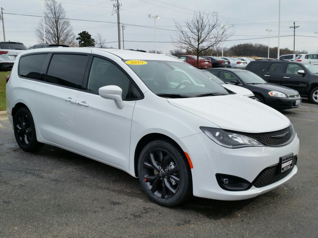 New 2019 Chrysler Pacifica Touring Plus 4d Passenger Van In The 2011 200 Fuel Filter
