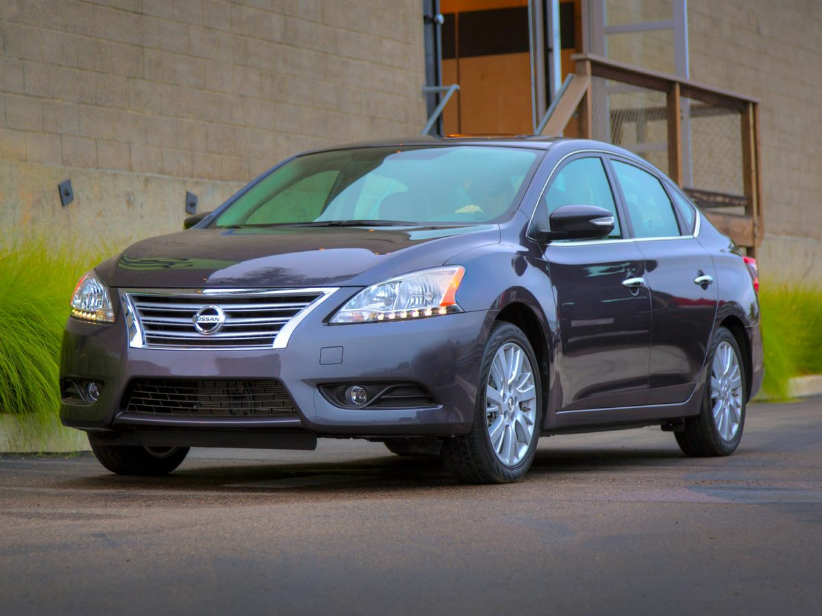 Pre Owned 2015 Nissan Sentra SV 4D Sedan in the Milwaukee area