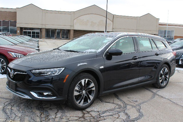 New 2018 Buick Regal Tourx Preferred Wagon In The Milwaukee Area 18br0271 Boucher Auto Group